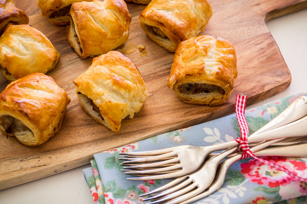 Christmas sausage roll recipe with chestnuts and cranberry for Sausage roll recipe uk